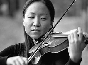 Jane Lee is a first-year medical student originally from Steilacoom, Washington, and a violinist with the Life Sciences Orchestra.