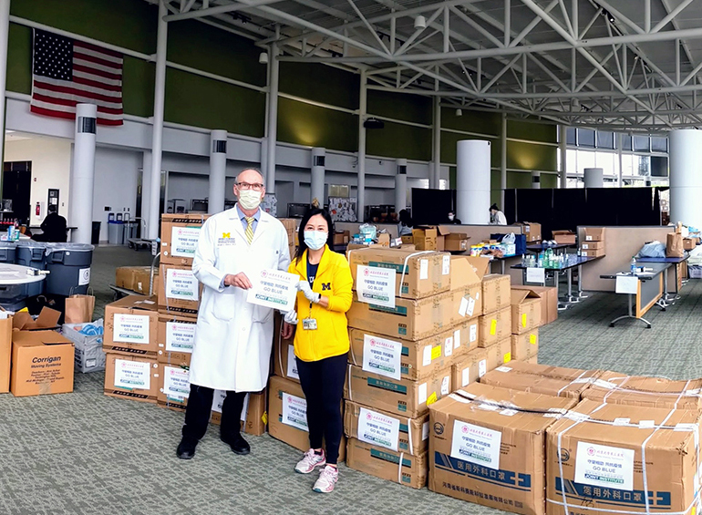 Michigan Medicine workers accepting donations